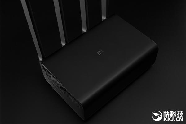 3699元!小米史上最贵路由器上架 8TB硬盘