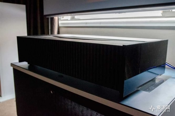 14.8万!索尼中国发布新神器:超短焦4K投影仪
