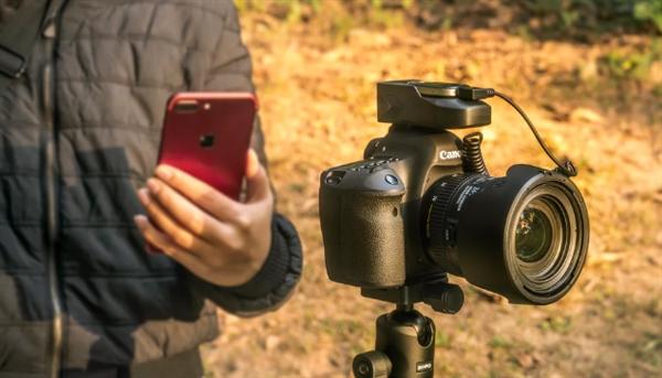 智能单反助手Aurga:全自动设置相机参数