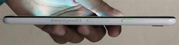 白色版Pixel 3 XL真机照泄露:电源键吸睛