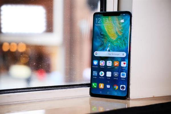外媒评价华为Mate 20新机:年度最佳手机之一