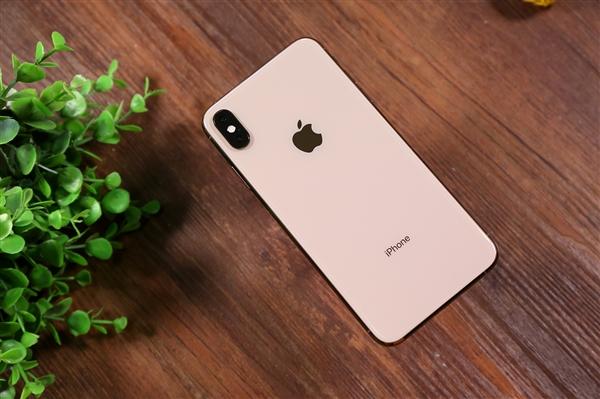 苹果iPhone垄断800+美元高端手机:占比达79%