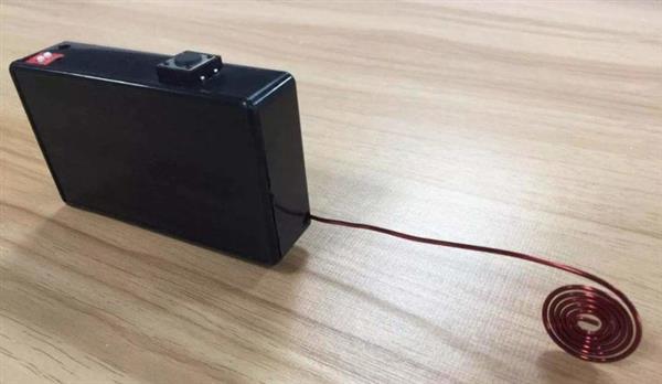 这个小黑盒3秒就攻破你家的门 智能锁安全吗?