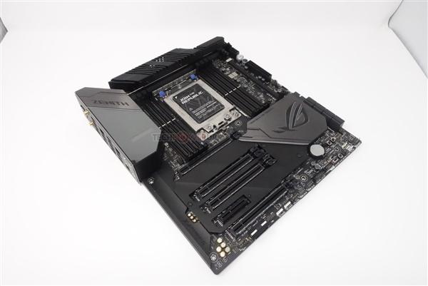 华硕秀Zenith Extreme Alpha X399主板:32核心撕裂者御用