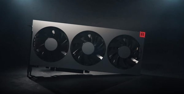 "AMD Radeon VII显卡上手:7nm工艺成就""小怪兽"""