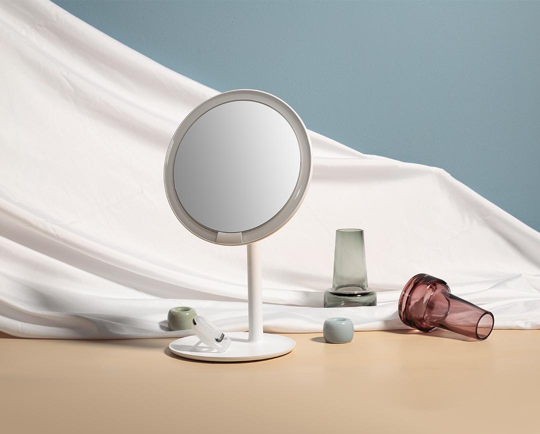 小米优选频道上线 首款产品AMIRO日光镜礼盒正式开售