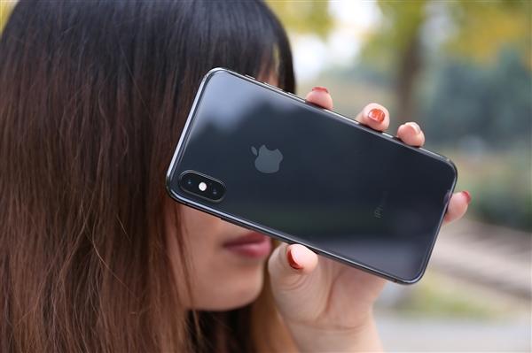 iOS 12.2界面曝光新功能 AirPods 2将支持免提语音指令