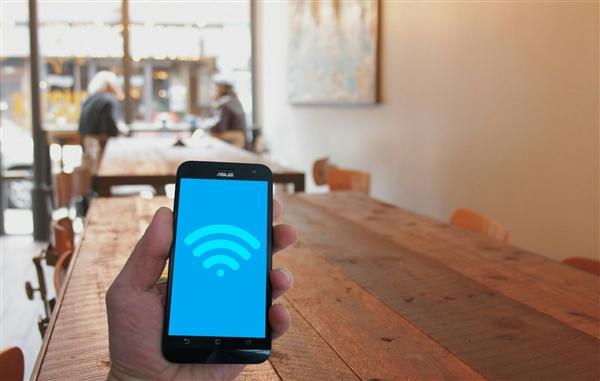 科学家研发出将Wi-Fi信号转化为电力的设备:轻松充电